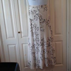 NWT Lauren Conrad size 10 maxi skirt